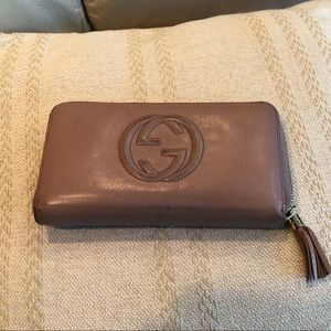 Gucci Pink Pebbled Leather Wallet